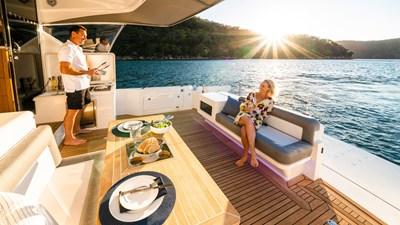 Riviera-545-SUV-Cockpit-Lifestyle-03-1
