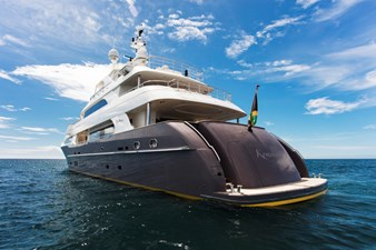KOMOKWA 135 stern