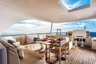 KOMOKWA 135 top deck lounge