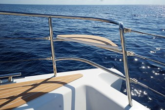 SILENT-YACHTS_SILENT55_B_BowSeat_01
