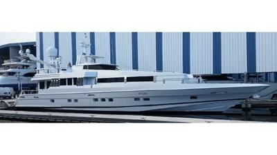 - 2 102-1989-Oceanfast-Motor-Yacht-01