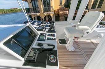 - 8 102-1989-Oceanfast-Motor-Yacht-08