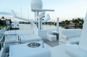 - 13 102-1989-Oceanfast-Motor-Yacht-09