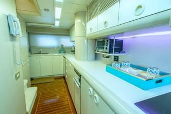 - 24 102-1989-Oceanfast-Motor-Yacht-32
