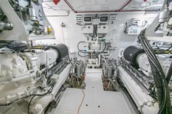 - 25 102-1989-Oceanfast-Motor-Yacht-34