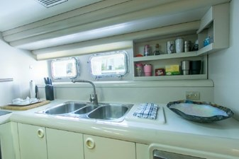- 29 102-1989-Oceanfast-Motor-Yacht-31