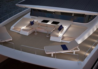 SILENT-YACHTS_SILENT80_BowSeatingArea_Lights