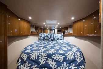 Centerline Queen Bed w/Storage Under