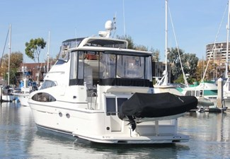 44-2004-Carver-Cockpit-Motor-Yacht-03