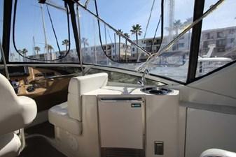 44-2004-Carver-Cockpit-Motor-Yacht-16