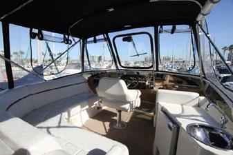 44-2004-Carver-Cockpit-Motor-Yacht-14