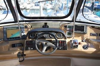 44-2004-Carver-Cockpit-Motor-Yacht-17