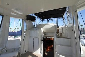44-2004-Carver-Cockpit-Motor-Yacht-19