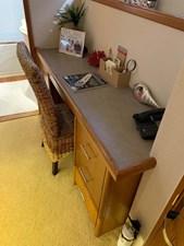 28 Master Stateroom Desk