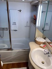 32 Master Bathtub Shower