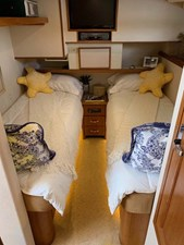 38 Guest Twin Stateroom