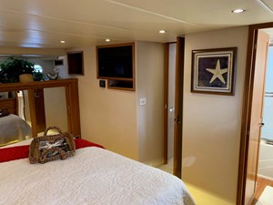 21 Master Stateroom Portside Forward View