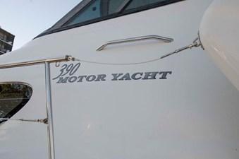 - 1 39-2004-Sea-Ray-Motor-Yacht-04