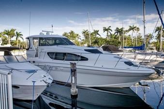 - 4 39-2004-Sea-Ray-Motor-Yacht-01