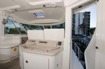 - 6 39-2004-Sea-Ray-Motor-Yacht-06