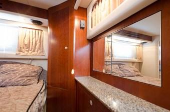 - 11 39-2004-Sea-Ray-Motor-Yacht-18