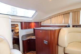 - 13 39-2004-Sea-Ray-Motor-Yacht-14