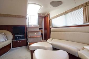 - 14 39-2004-Sea-Ray-Motor-Yacht-12