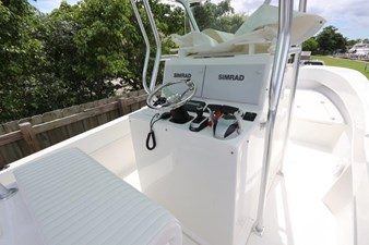 16_2017 27ft Dusky 278 Center Console