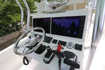 20_2017 27ft Dusky 278 Center Console