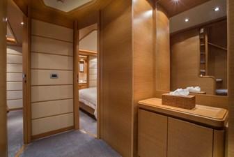97-2008-Ferretti-Yachts-Custom-Line-24
