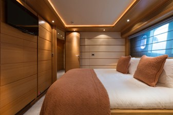 97-2008-Ferretti-Yachts-Custom-Line-30
