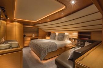97-2008-Ferretti-Yachts-Custom-Line-37