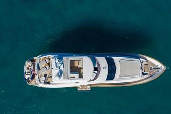 95-2018-Sunseeker-Yacht-02