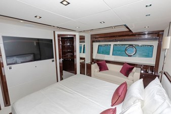 95-2018-Sunseeker-Yacht-10