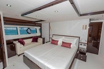 95-2018-Sunseeker-Yacht-12