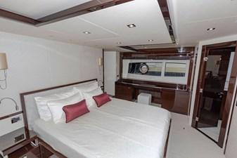 95-2018-Sunseeker-Yacht-14
