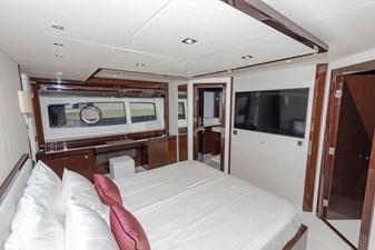 95-2018-Sunseeker-Yacht-15