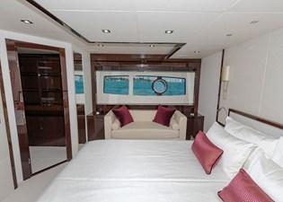 95-2018-Sunseeker-Yacht-11