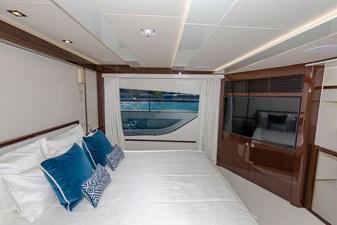 95-2018-Sunseeker-Yacht-27