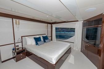 95-2018-Sunseeker-Yacht-32