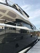 86-2017-Sunseeker-Yacht-03