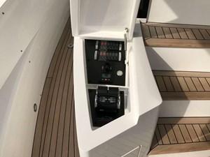 86-2017-Sunseeker-Yacht-09