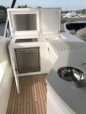 86-2017-Sunseeker-Yacht-32