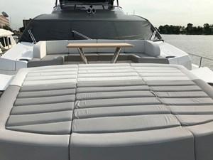 86-2017-Sunseeker-Yacht-37