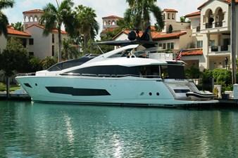 86-2018-Sunseeker-Yacht-02