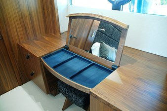 86-2018-Sunseeker-Yacht-56
