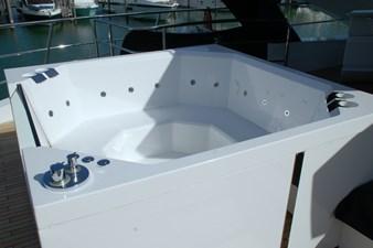 86-2018-Sunseeker-Yacht-10
