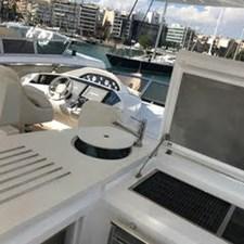 80-2012-Sunseeker-Yacht-16