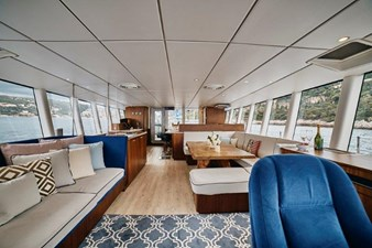 SALON LOOKING AFT FROM HELM