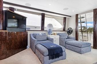 BELLA GIORNATA 8 BELLA GIORNATA 94' Lazzara 2000/2018 Flybridge Motor Yacht: Main Salon